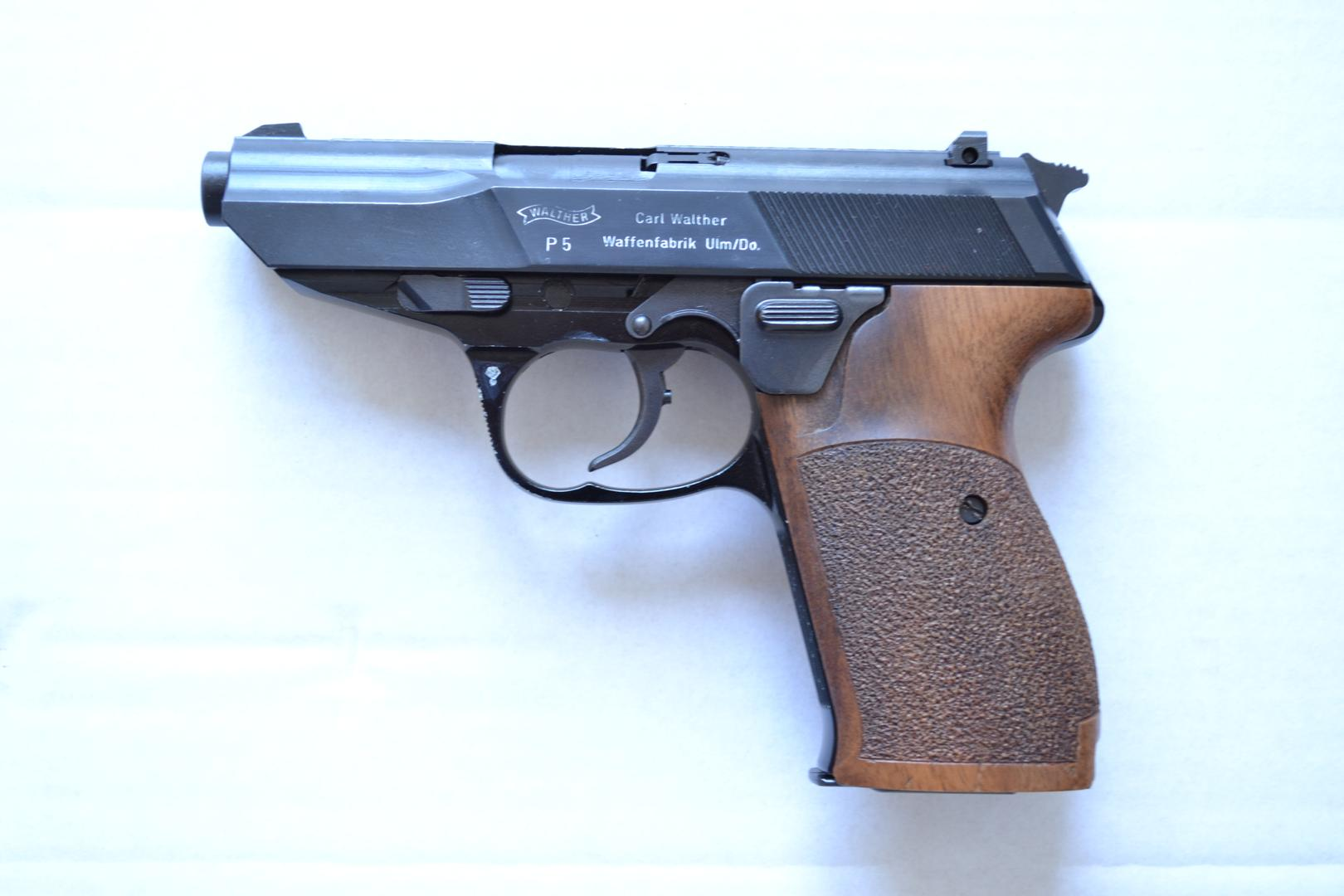 Walther P5 prototype early variation