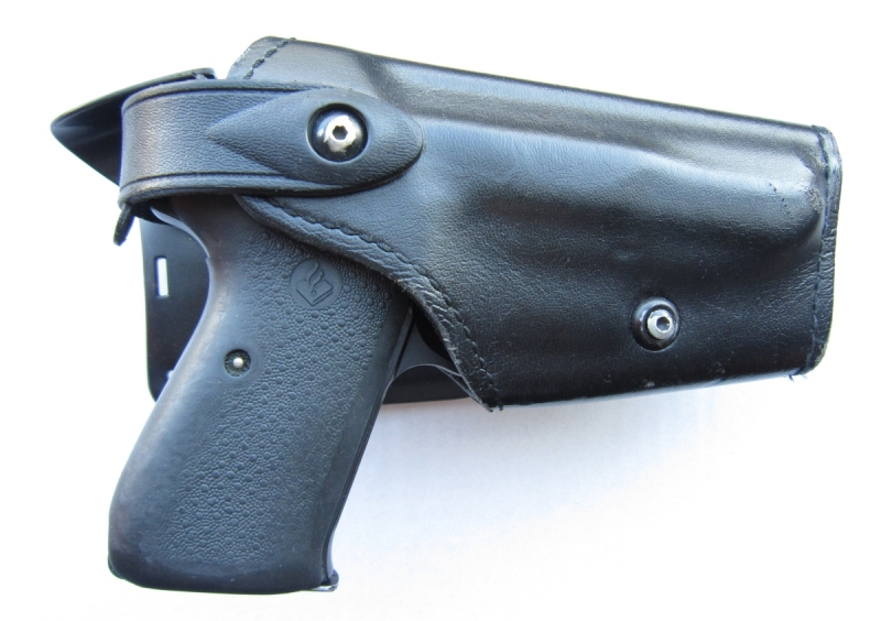 Dutch Police safariland holster for the Walther P5