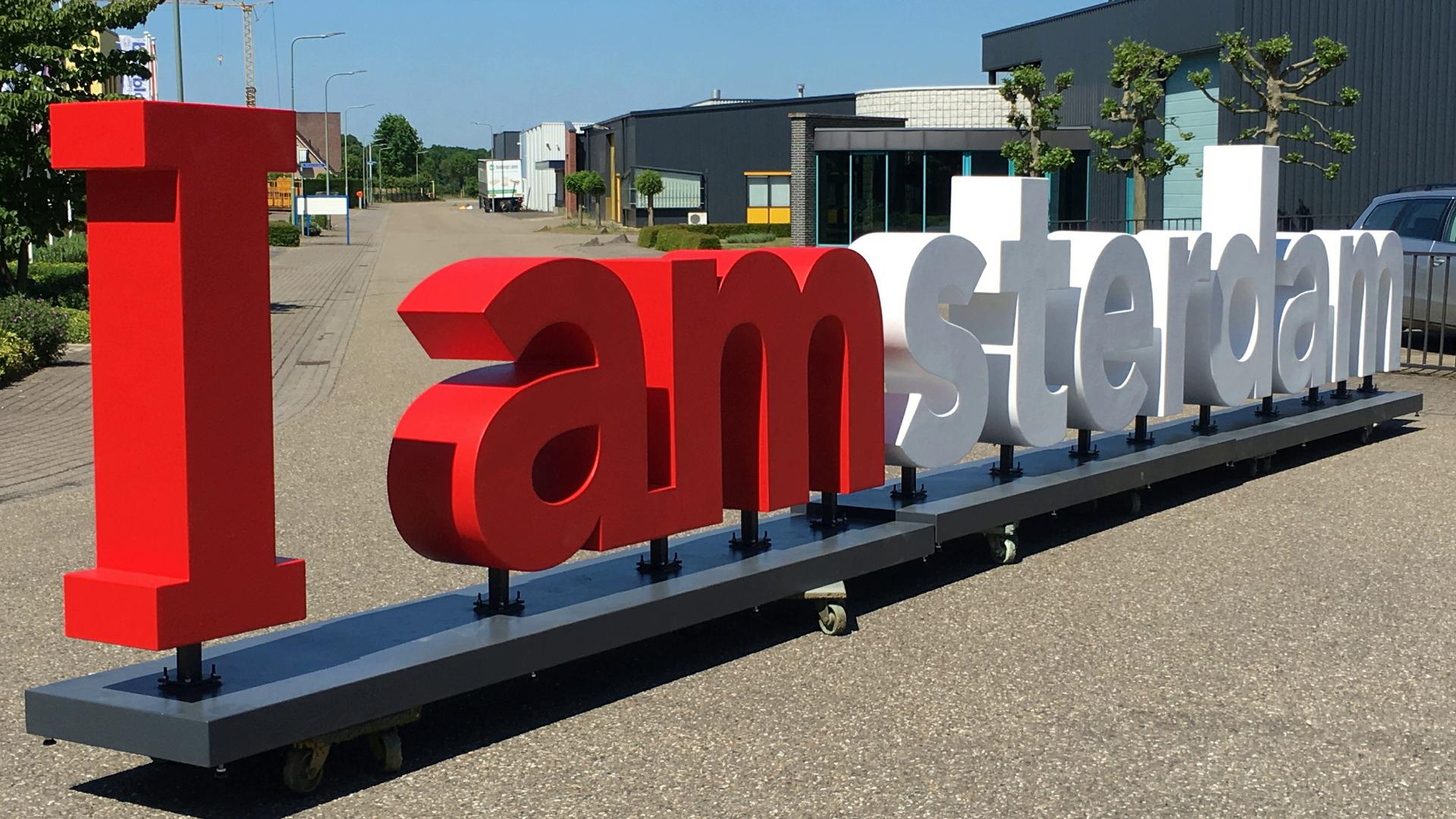 3D blow up zitletters promo reclameletters